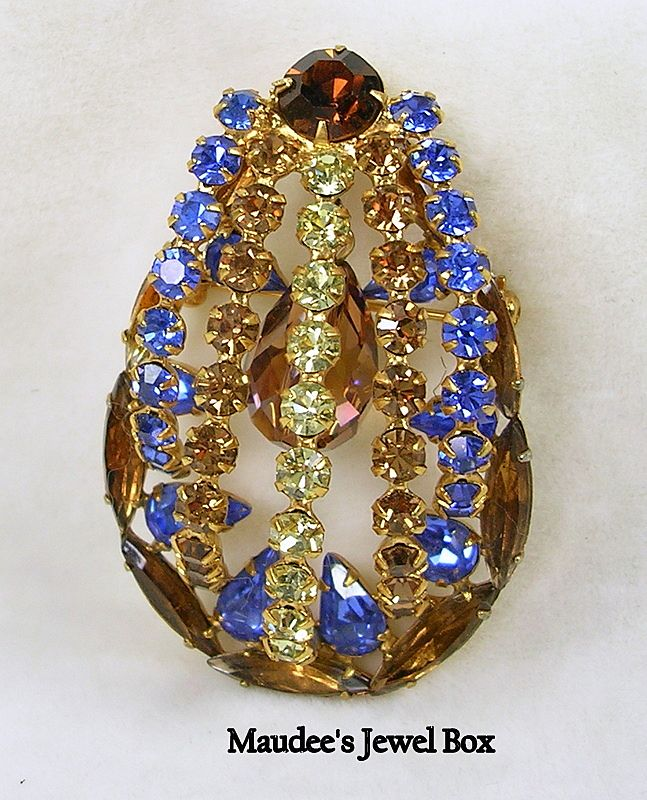 Vintage Delizza and Elster Juliana 3-D Domed Brooch with Hanging Briolette Crystal – Beautiful!