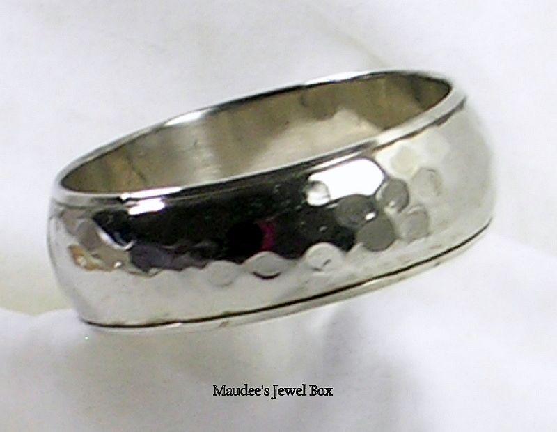 Vintage Silver Tone Hammered Design Bangle Bracelet