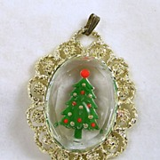 Vintage Glass Christmas Tree Cameo Pendant in Gold Tone