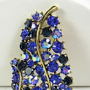 Signed Lisner Vintage Gold  Tone Brooch Pin with Sapphire Blue and Tanzanite blue Crystal Rhinestones – Beautiful!