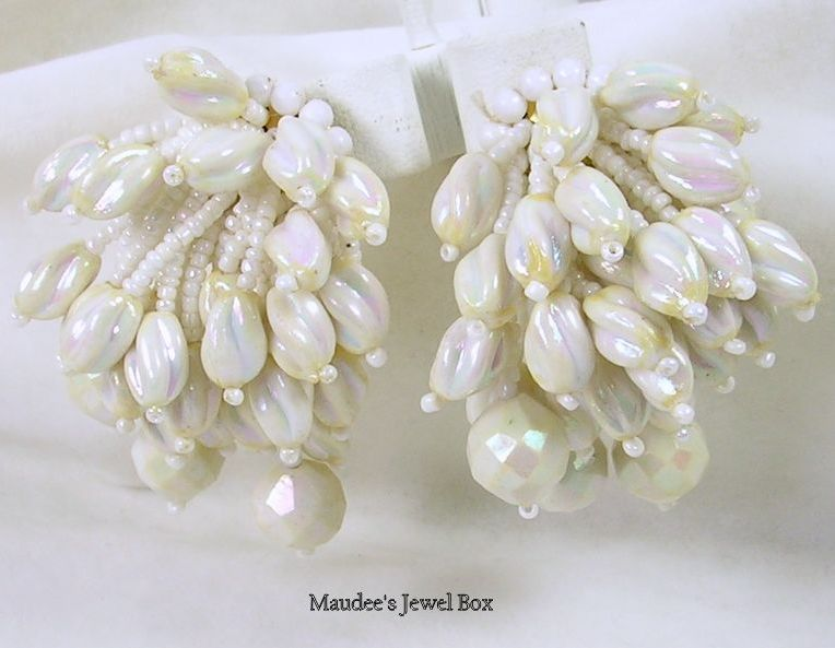 Vintage Seashell Dangle Clip Earrings in Iridescent White
