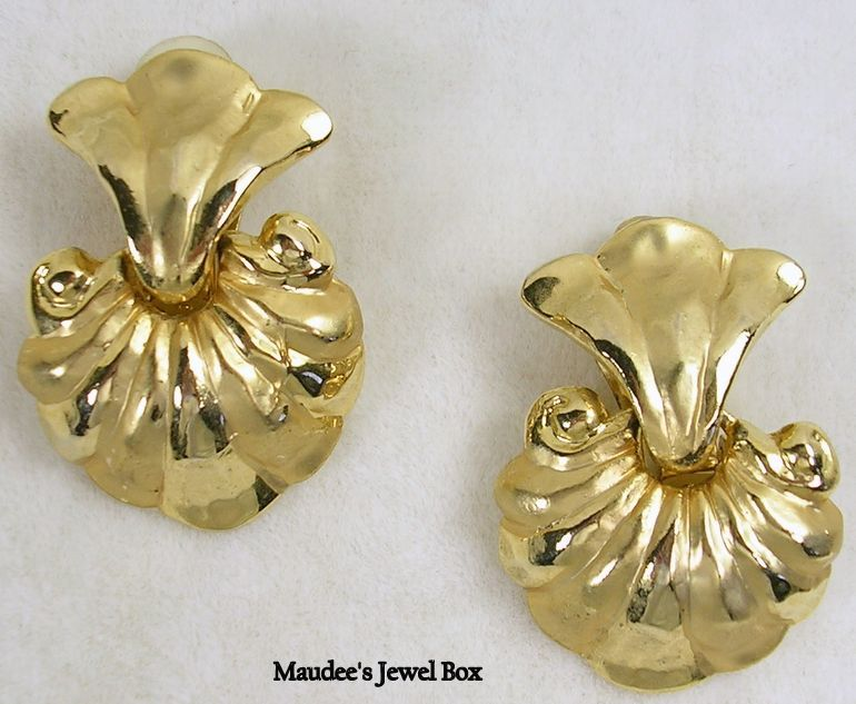 Vintage Gold Tone Door Knocker Clip Earrings