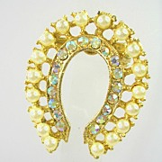 Collectible Horseshoe Brooch Pin with Simulated Pearls and Aura Borealis Rhinestones in Gold Tone – Beautiful!