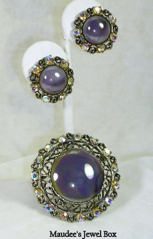 Vintage Lavender Demi Parure Brooch Pin and Pendant with Matching Earrings