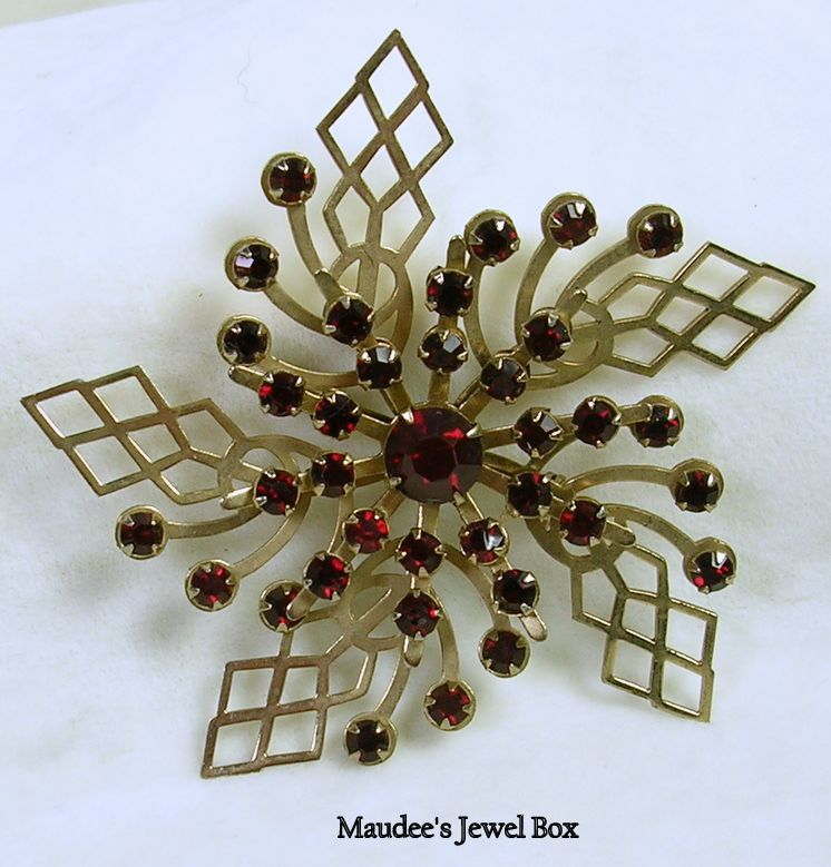 Vintage Open Design Pinwheel Brooch Pin with Ruby Red Crystal Rhinestones