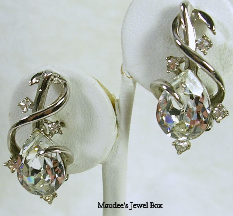 Vintage Pear and Round Modern Design Rhinestone Crystal Clip Earrings – Timeless!