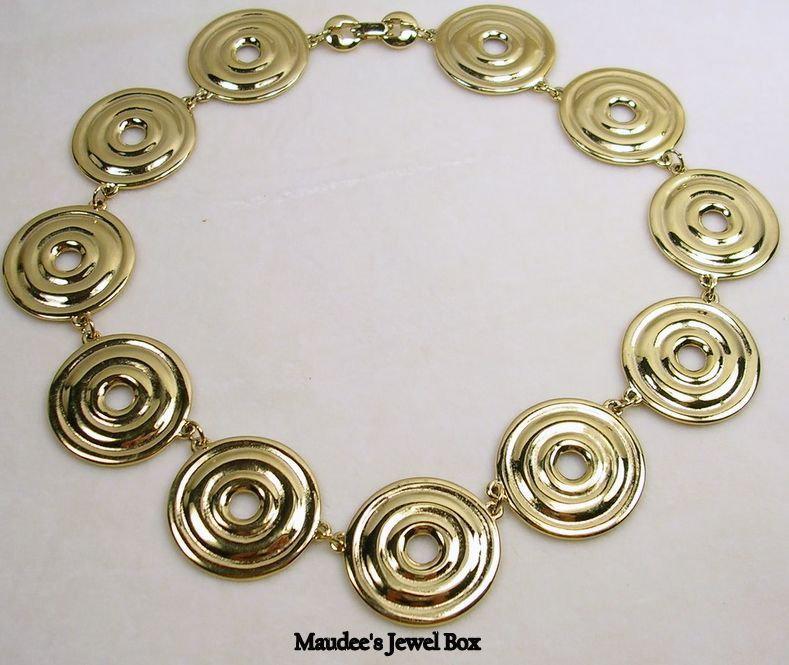 Vintage Gold Tone Circle Necklace – Fabulous!
