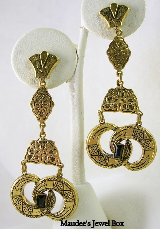 Vintage Celestial Dangle Clip Earrings with Simulated Onyx Baguettes – Fabulous
