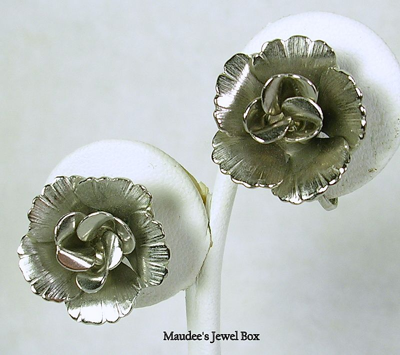 Vintage Silver Tone Rose Clip Earrings – Stunning!