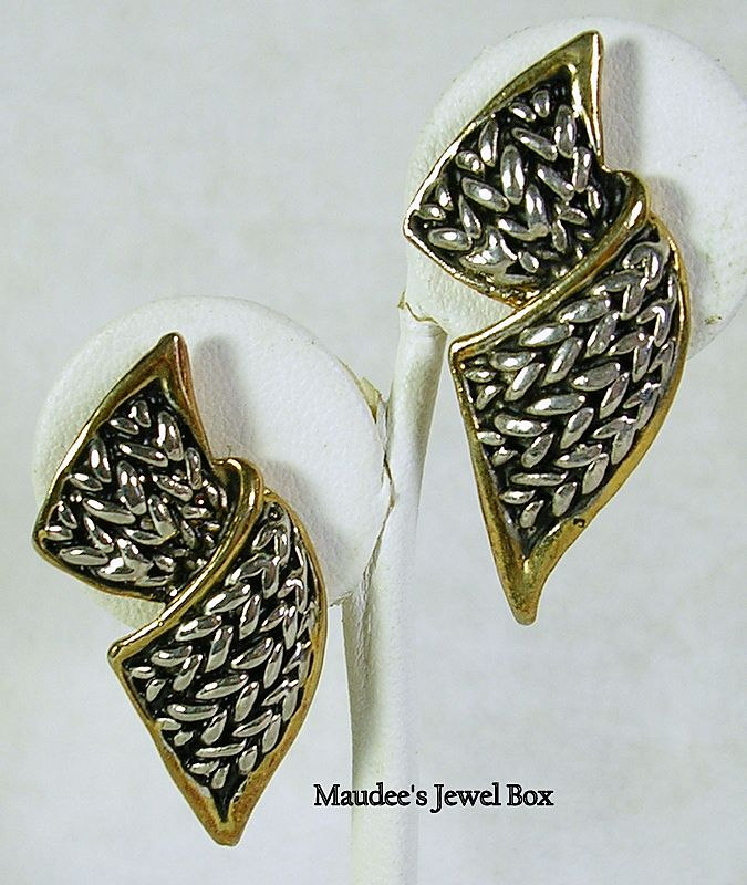 Vintage Two Tone Chain Ribbon Clip Earrings