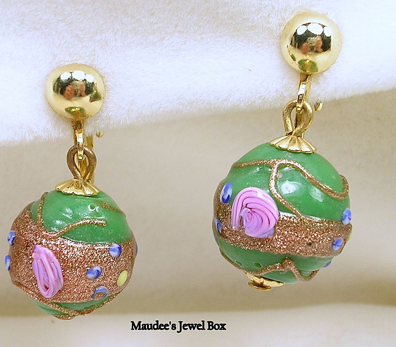 Vintage Wedding Cake Design Dangle Clip Earrings
