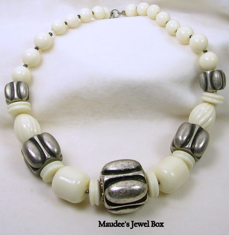 Vintage Acrylic Ivory and Silver Tone Beaded Necklace