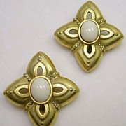Signed C. Stein Gold Tone Pointed Corner Square Design Clip Earrings