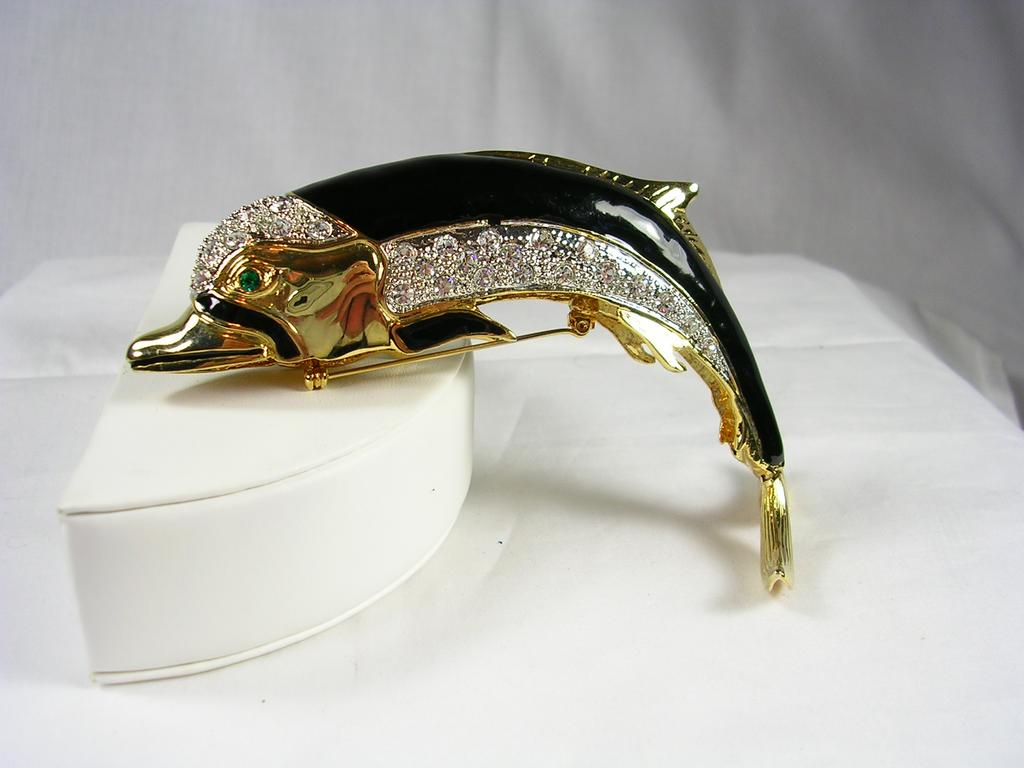 Collectible Swarovski Crystal Dolphin Brooch Pin in Gold Tone – Exquisite!