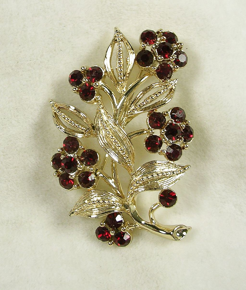 Signed Lisner Floral Brooch Pin with Garnet Rhinestones in Gold  Tone -  Beautiful