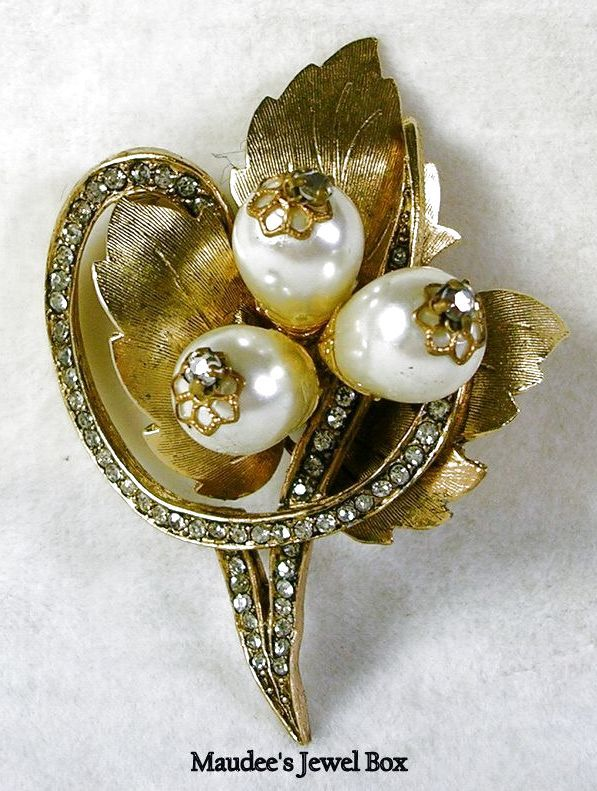 Signed Hattie Carnegie Vintage Rhinestone, Faux Pearl, and Leaf Swirl Brooch – Beautiful!