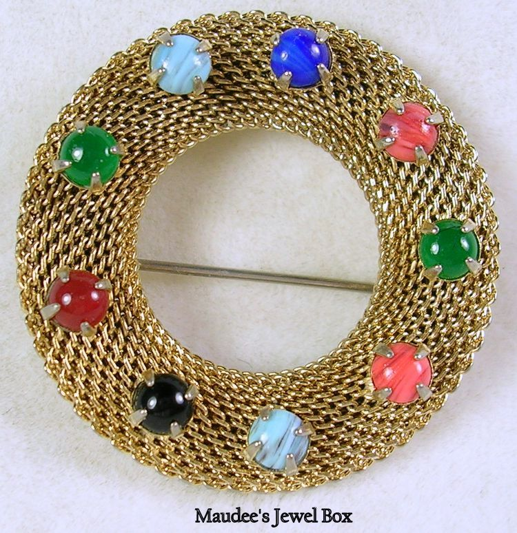 Vintage Simulated Multi Gemstone Mesh Wreath Pin Brooch in Gold Tone – Stunning!