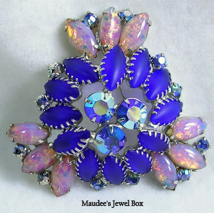 Delizza and Elster's Juliana Brooch Pin with Simulated Opals in Silver Tone – Stunning!