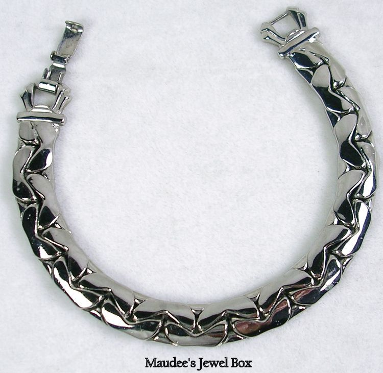 Unusual Vintage Silver Tone Link Bracelet