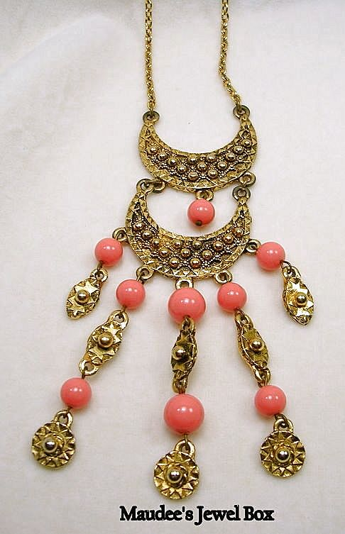 Vintage Simulated Coral and Gold Tone Dangle Necklace
