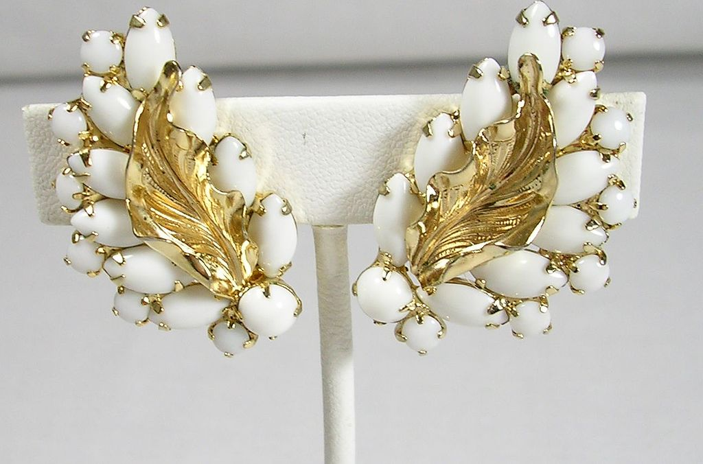 Signed Weiss Milk glass Gold Tone Clip Earrings