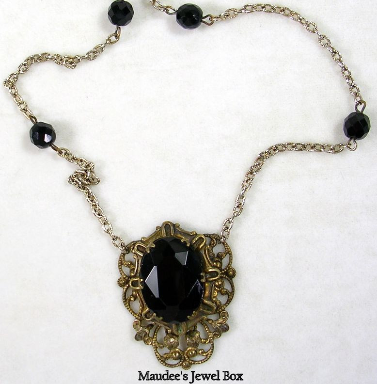 Vintage Art Deco Design Black Faceted Glass Necklace