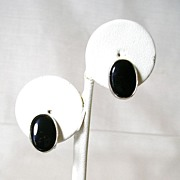 Vintage Faux Onyx Oval Button Style Earrings in Silver Tone