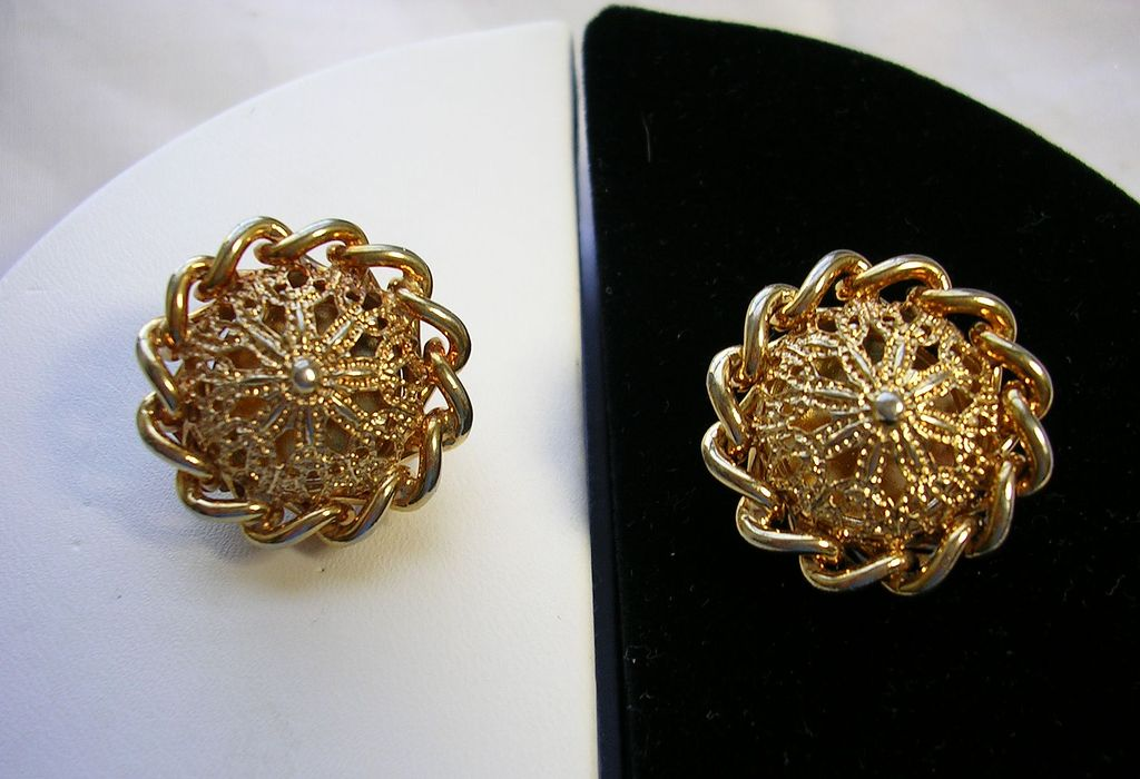 Signed Kramer Filigree and Link Chain Earrings in Gold Tone
