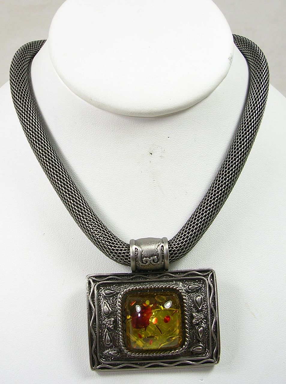 Vintage Mesh Necklace with a Glass Amber Stone and Magnetic Clasp – Beautiful!