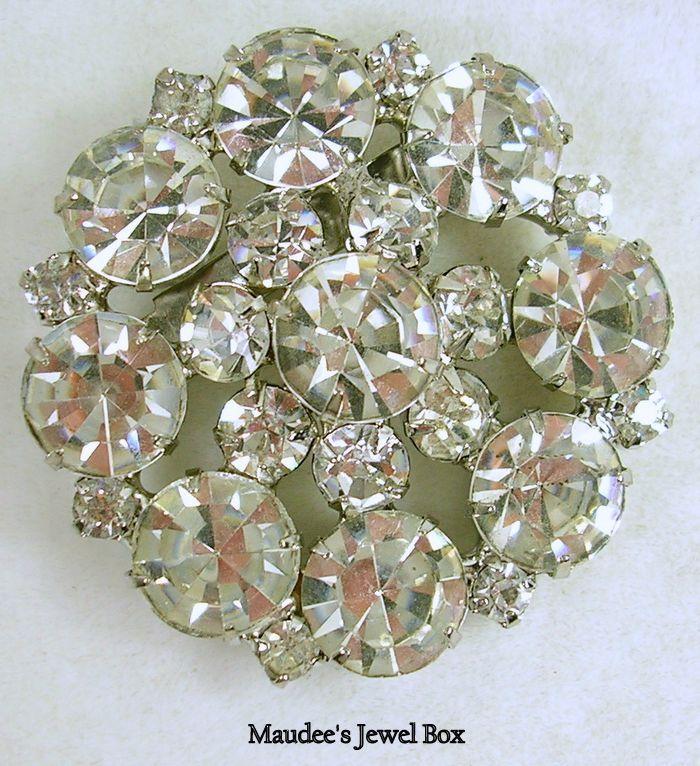 Vintage Rhinestone Crystal Brooch Pin in Silver Tone – Stunning!