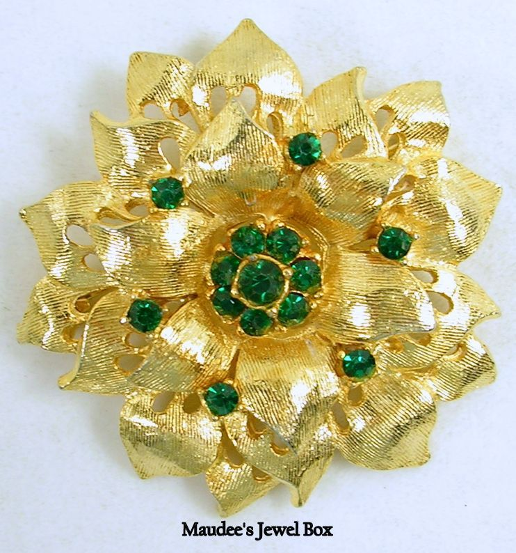 Vintage Leaf Floral Pin Brooch with Emerald Green Rhinestone Crystals in Gold Tone