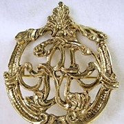 Vintage Gold Tone Crest Pin Brooch