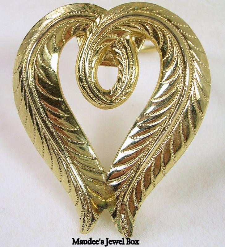 JERI LOU Vintage Gold Tone Textured Heart Dress Clip