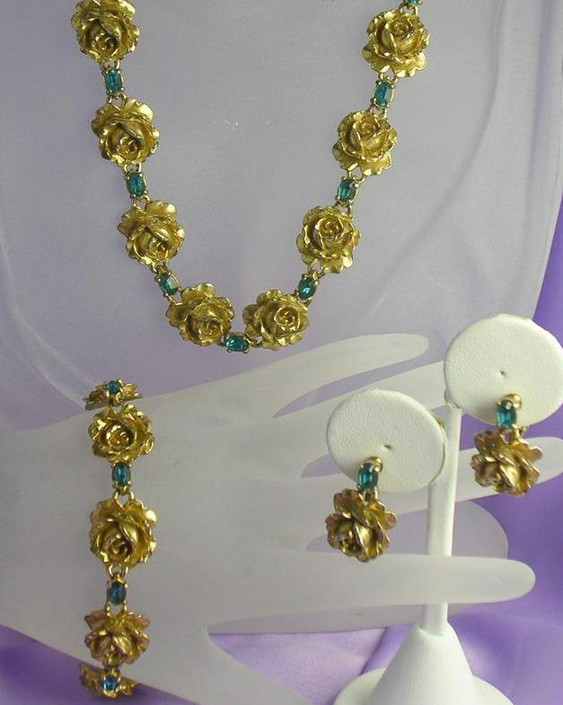 Parure with  Roses Goldtone Blue RS 1960's