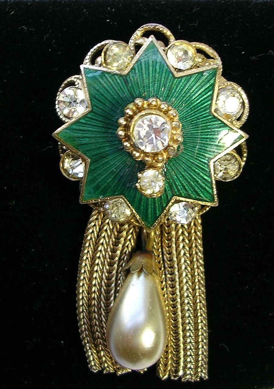 Vintage Dome Filigree Brooch Pin with Faux Tear Drop Pearl Tassels Guilloche Emerald Green Enamel in Gold Tone