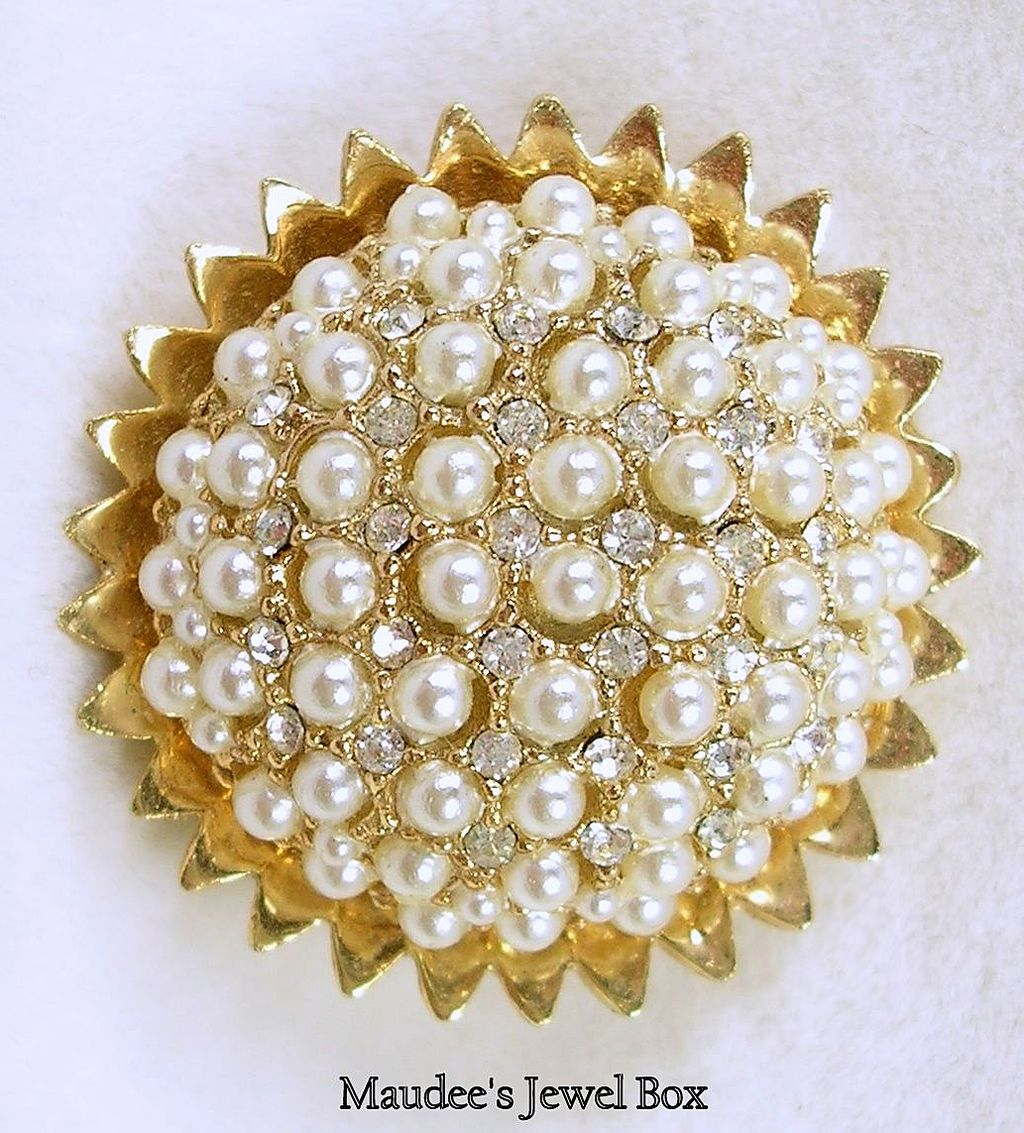 Signed HAR Rhinestone and Seed Pearl Floral Burst Goldtone Brooch Pin – Stunning!