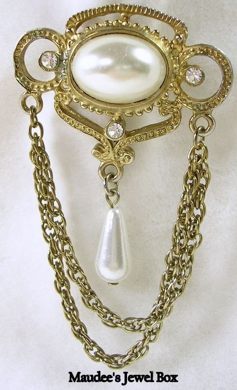 Victorian Design Swag Pin/Brooch in Gold Tone with Simulated Pearls