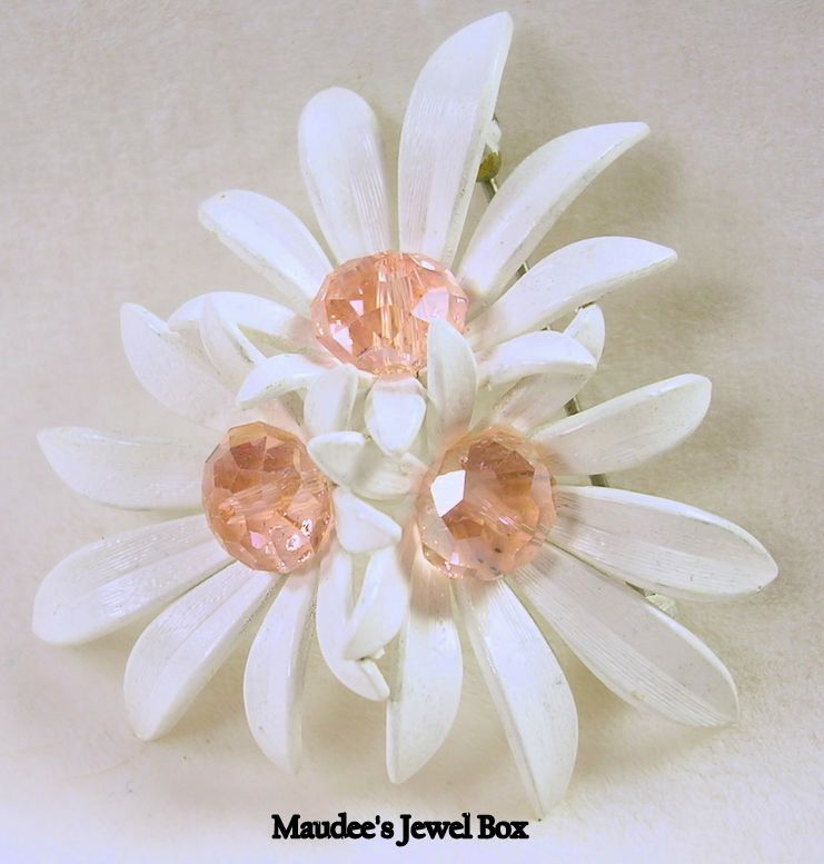 Signed Grosse Vintage Cluster of Daisies with Pink Crystal Pin Brooch