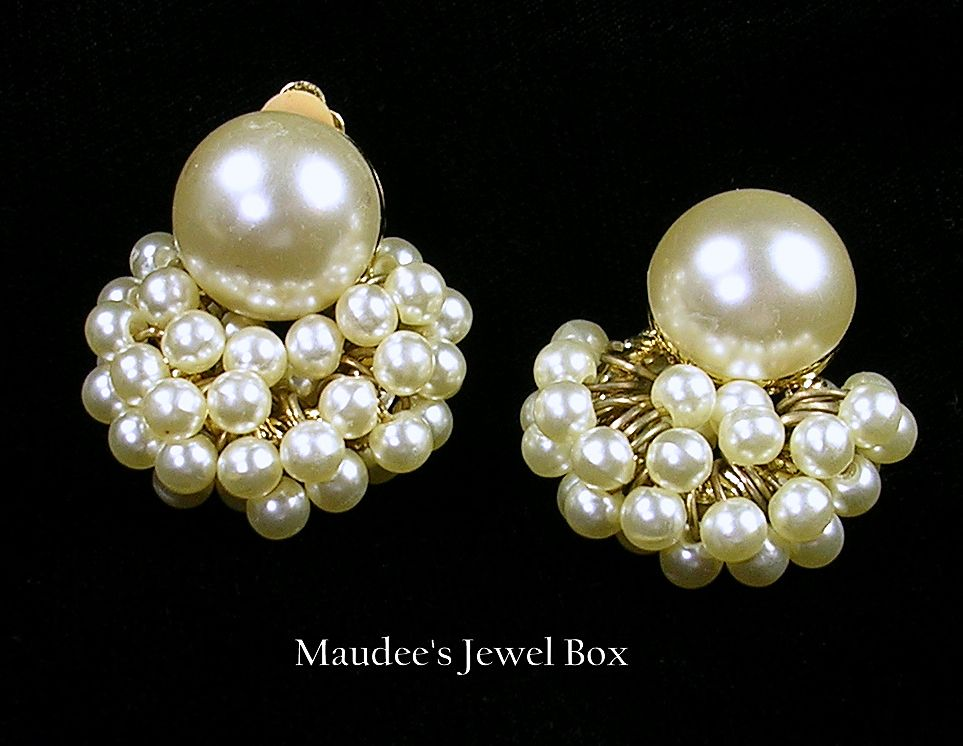 Cluster of Simulated Pearls Dangling Earrings