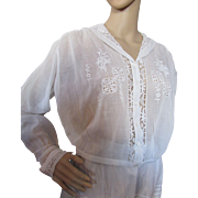 Early 20th Century Blouse in White Batiste with Lace Inserts