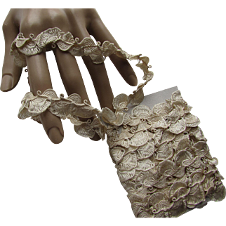 Vintage Lace Trim in Oyster Tone Shell Like Scallops for Doll Clothing or Re-Purposing