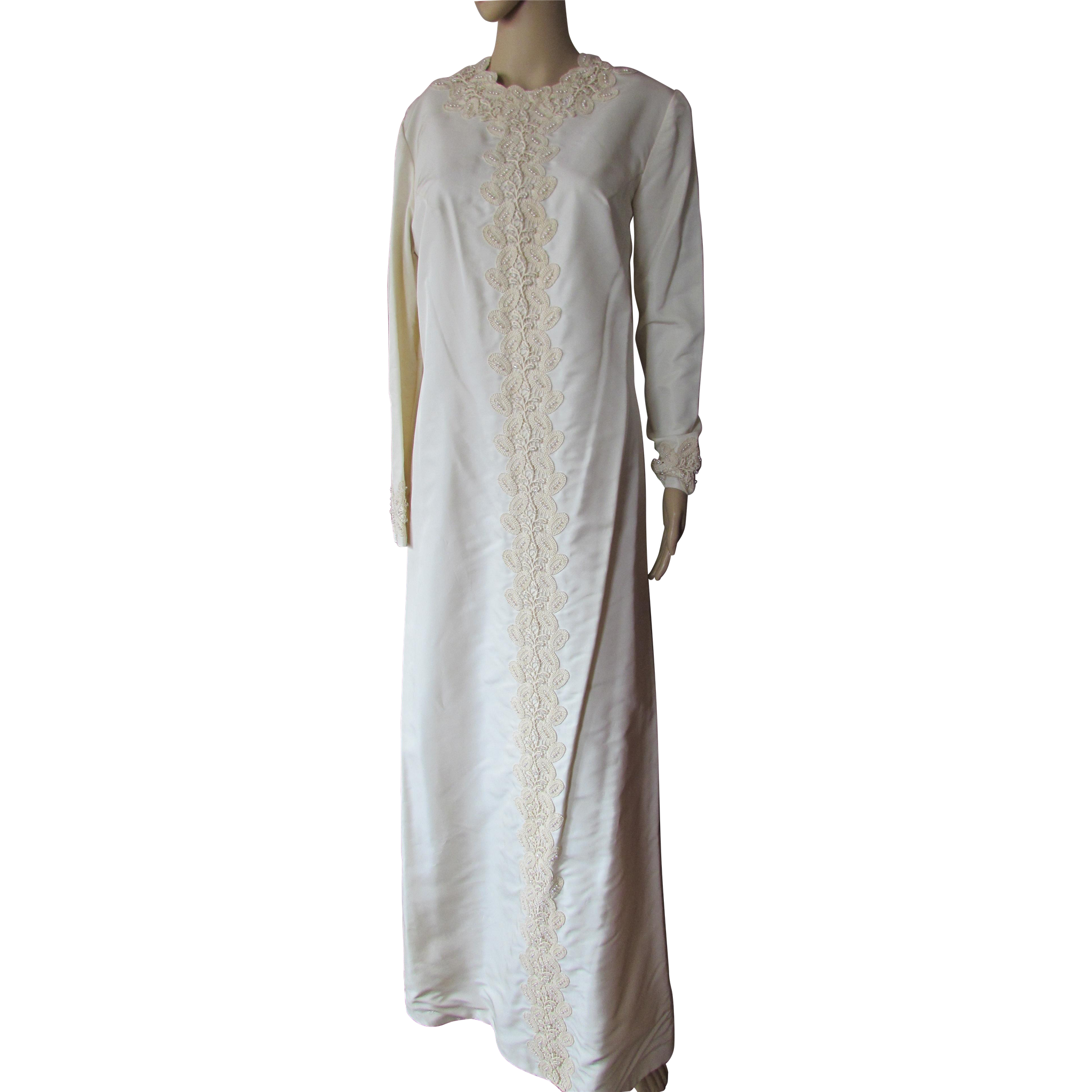 Vintage 1970 Era Wedding Dress in Ivory Tone with Lace Embellishment Contessa Bridals