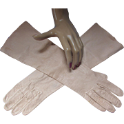 Kislav Kid Gloves in Nude Tone Made in France Sold at T A Chapman Milwaukee Washable Size 7 1/2