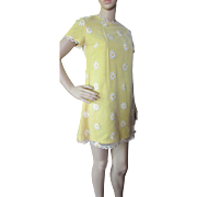 Flower Child 1960 Era Mini Dress in Yellow Daisies Gay Gibson Size 7