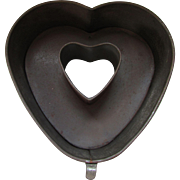 Farmhouse Style Heart Shaped Cake Pan Ring Mold Industrial Look Patent 1941