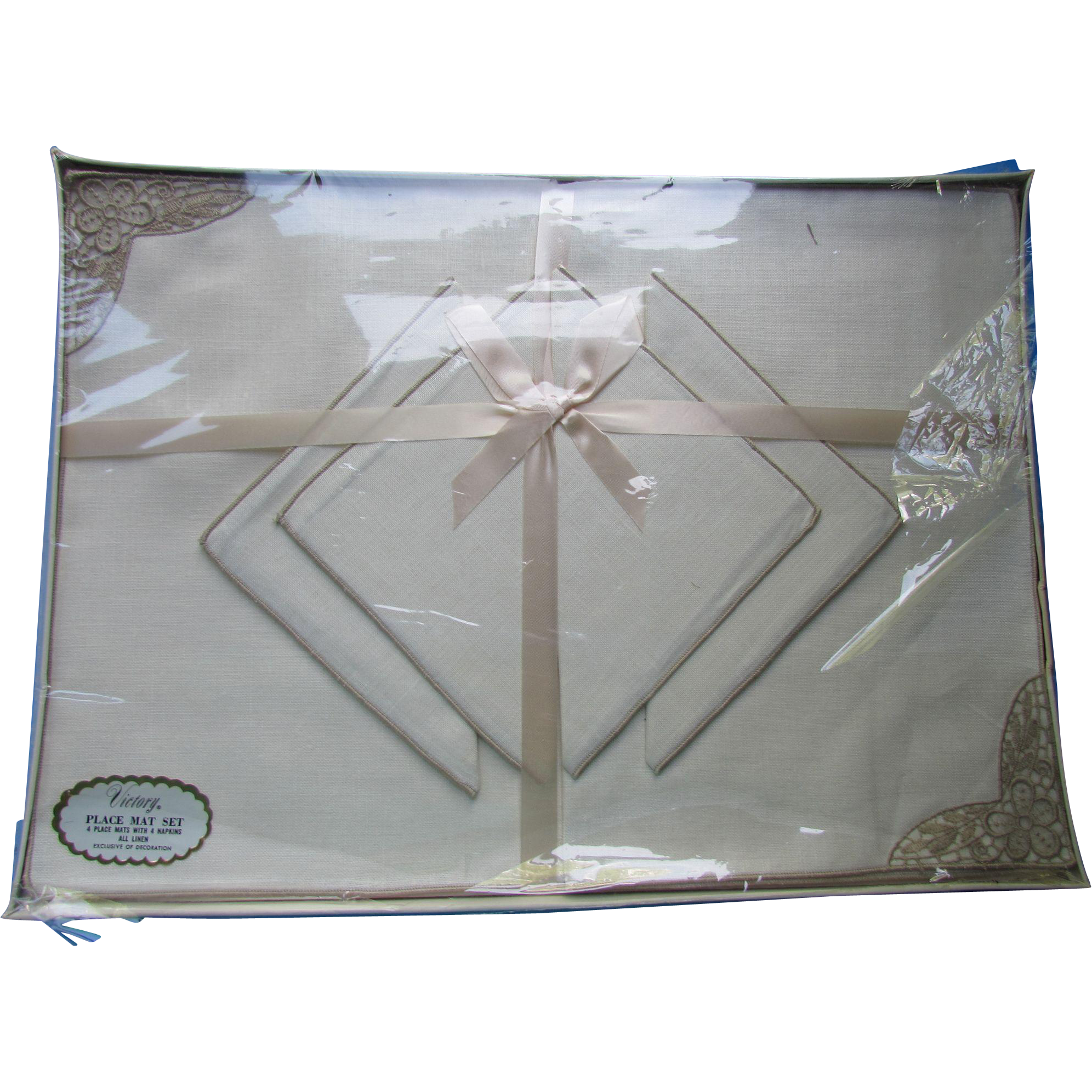 Vintage Victory Linen Place Mat and Napkin Set in Original Packaging Unused Stock