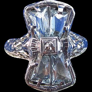 Lovely Art Deco Aquamarine Vintage Engagement Ring