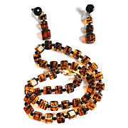 Crown Trifari Deco Style Tiger Glass Necklace Set