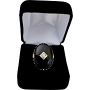 Vintage Ladies Large 14K Gold Oval Onyx Diamond Center Ring