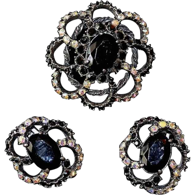 SCHIAPARELLI Black Glass & Aura Borealis Rhinestones Brooch & Earrings